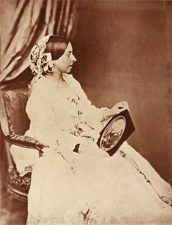2 Roger Fenton Victoria 1854