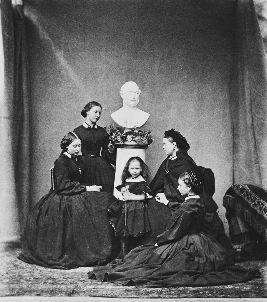 5 Princess_Beatrice_mourning 1862
