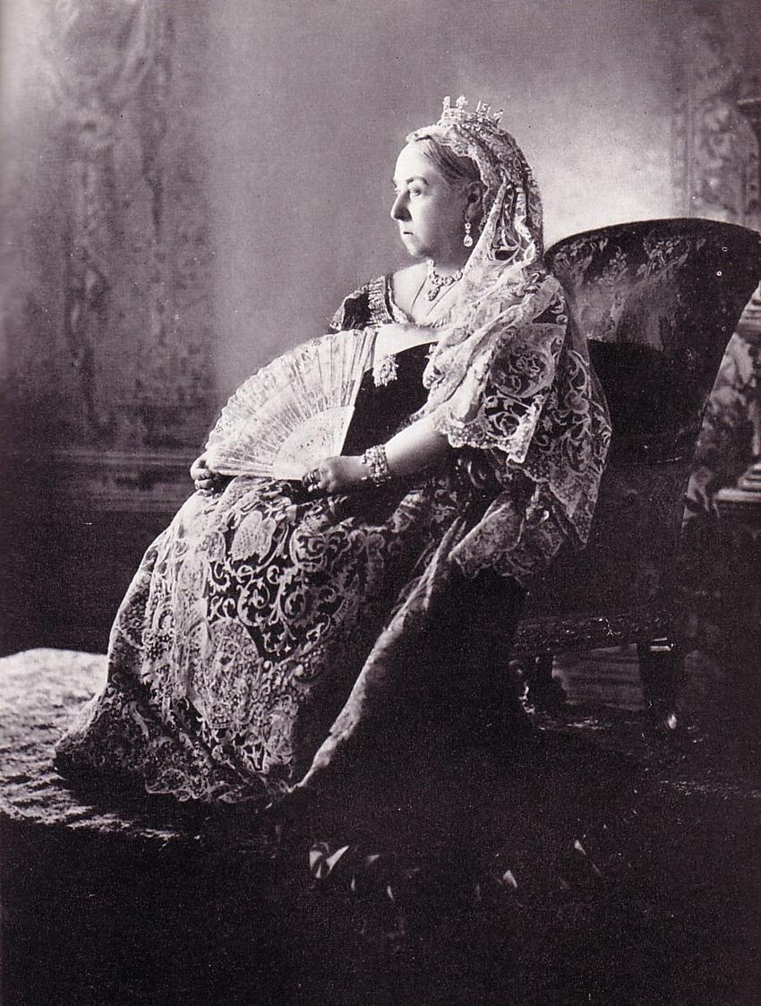 9 Queen_Victoria_1897 crownjubilee met bruidssluier